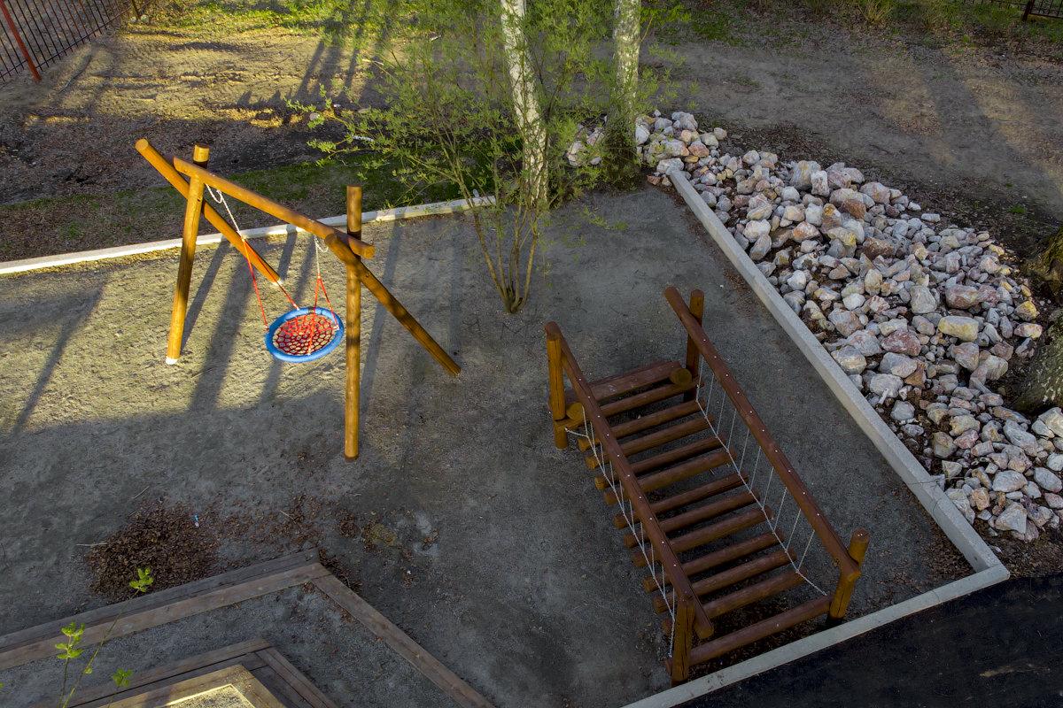 """Детская площадка в коттеджном поселке """"Гнёзда"""""""