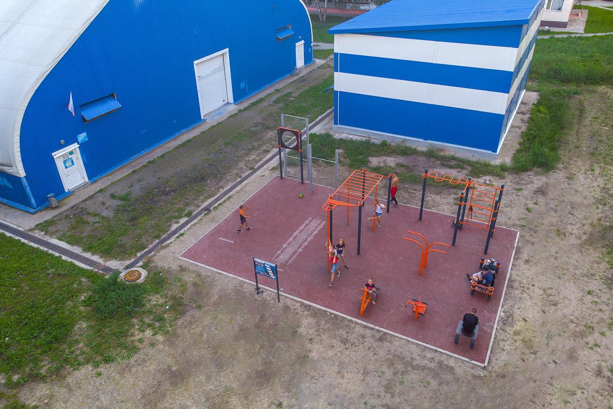 Спортивная площадка воркаут на улице Саввы Кожевникова