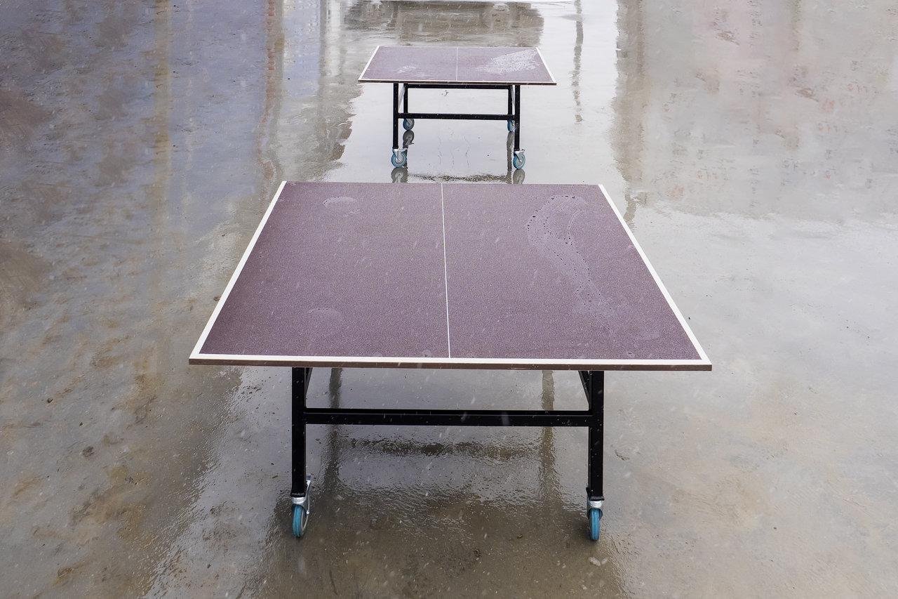 Теннисный стол на колесах