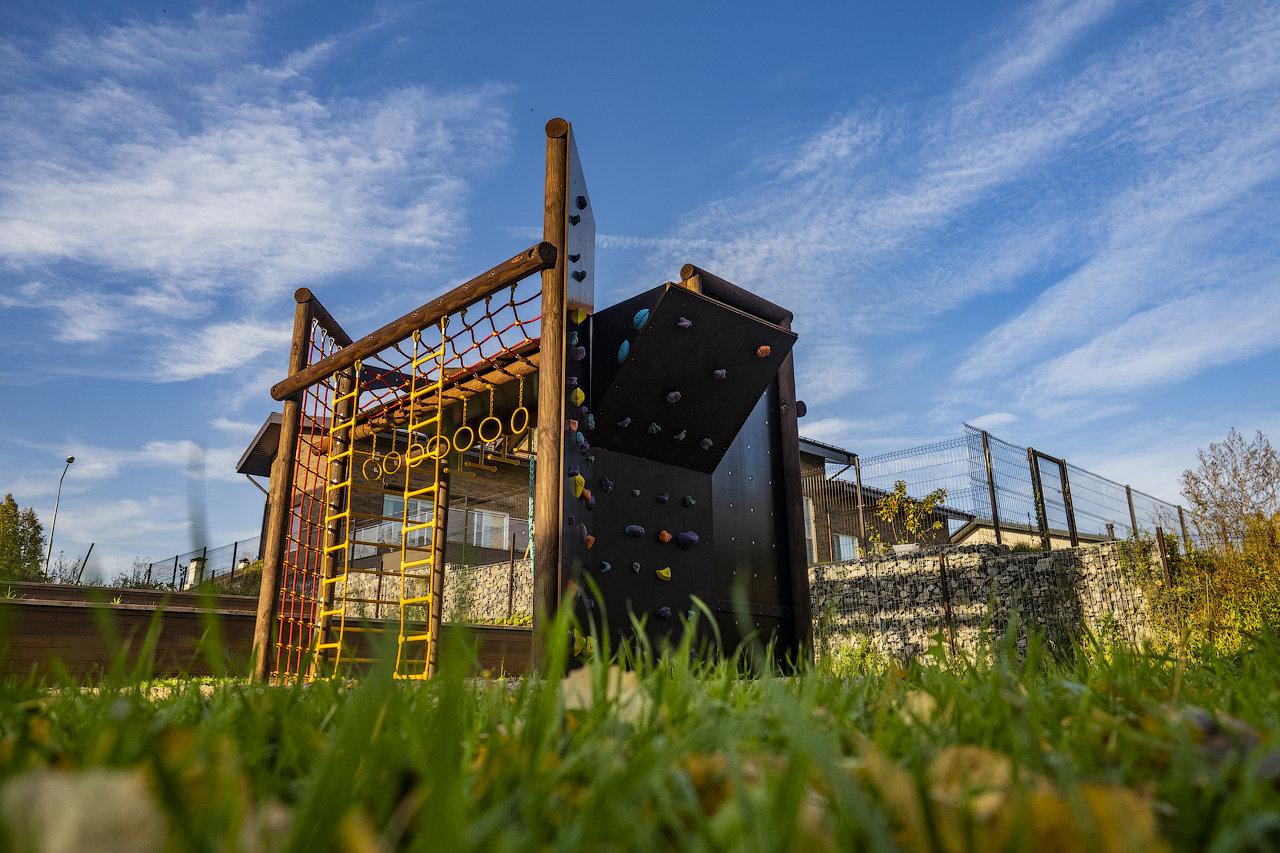 Коттеджный поселок «Горки Академпарка». Лазальный комплекс для детей